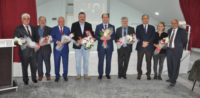 Gazi Mustafa Kemal'de Plaket töreni