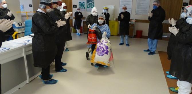 Soma'da 5 hasta alkışlarla taburcu edildi
