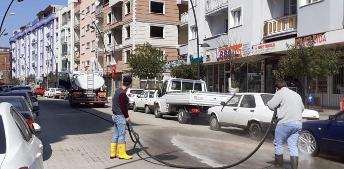 Cadde ve sokaklar  dezenfekte edildi